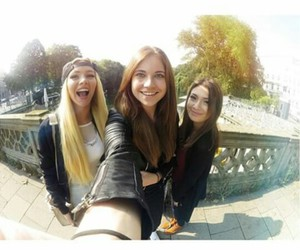 hamburg, paola maria, and shirin david image