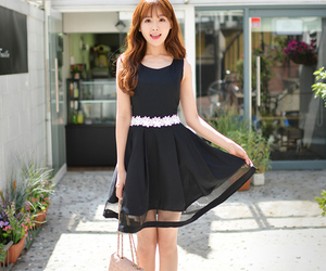 korean, ulzzang girl, and kim shin yeong image