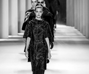 Carolina Herrera, fashion, and model image