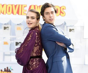 paper towns, cara delevingne, and mtv movie awards image
