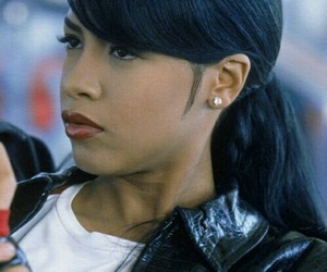 aaliyah and fleek image