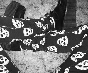 skull, grunge, and black and white image