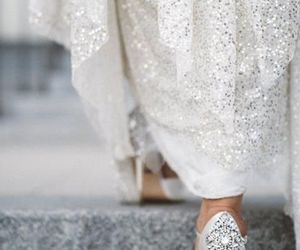 sparkle shoes, bride photo, and gorgeous wedding shoes image