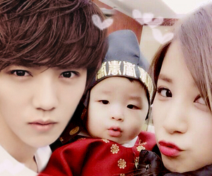 couple, luhan, and exopink image