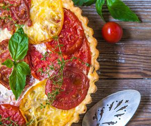 food, pie, and tomato image