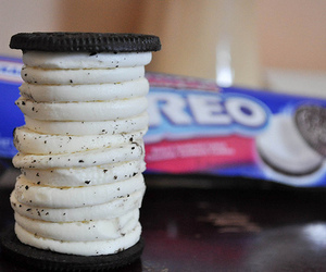 food, oreos, and yummy:) image
