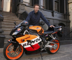 dr house, hugh laurie, and repsol image