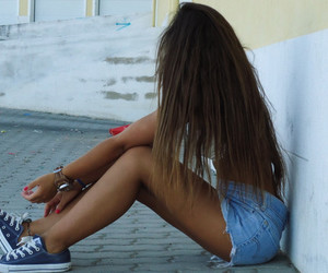 girl, hair, and converse image