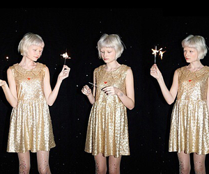 girls and gold image