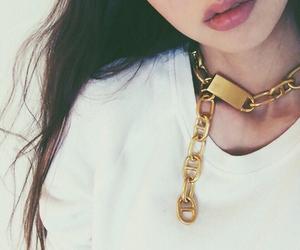 gold, japanese, and 鈴木えみ image
