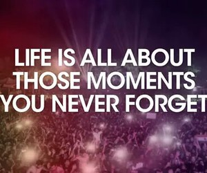 life and moments image