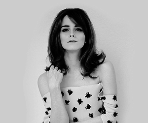 beautiful, emma watson, and black and write image