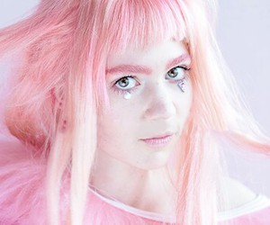 grimes, pale, and stunning image