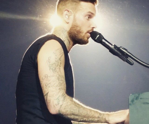piano, pokora, and redtour image