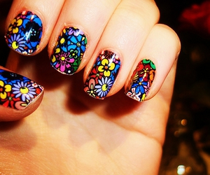 colors, nails, and bretty image