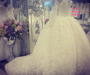 clothes, girl, and wedding image