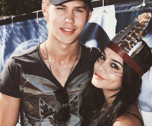 austin butler, vanessa hudgens, and couple image