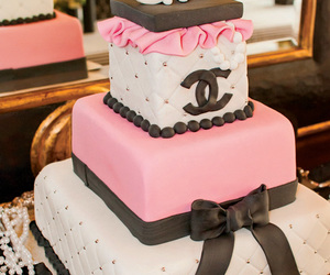 bolo, cake, and chanel image