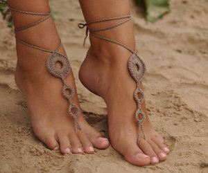barefoot sandals image