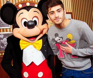 zayn malik, one direction, and disneyland image