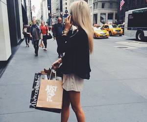 girl, new york, and shopping image