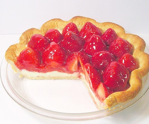 pie, hungry, and strawberry image