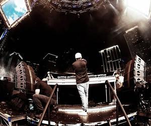dj, music, and avicii image