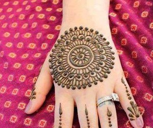mehndi and henna image