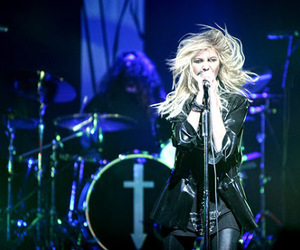 Taylor Momsen, the pretty reckless, and band image