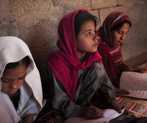 girls and muslim image