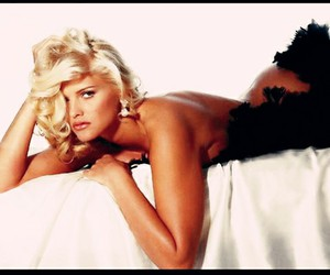 anna nicole smith, iconic, and style icon image