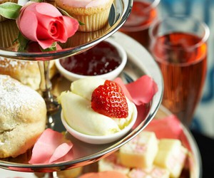 food, cupcakes, and strawberry image