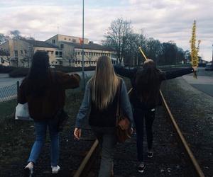 girls, grunge, and happy image