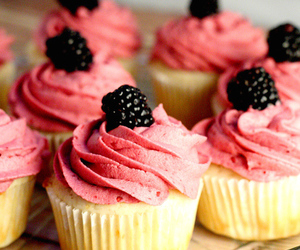 sweet, food, and cupcakes image