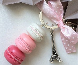 cute keychain, eiffel tower keychain, and bow keychain image