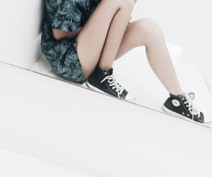 converse, outfit, and bisebyhayo image