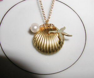 shell necklace and beach jewelry image