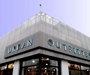 urban outfitters and store image