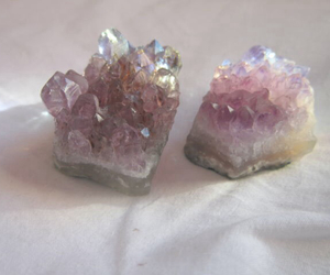 crystal, grunge, and pale image