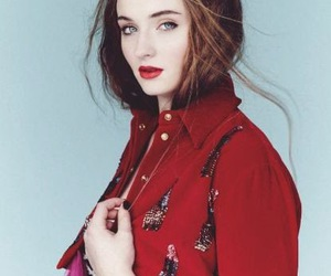 coat, Stil, and sophie turner image