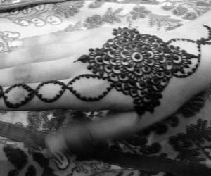 black and henna image