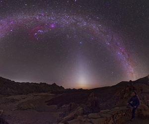 milky way and zodiacal light image