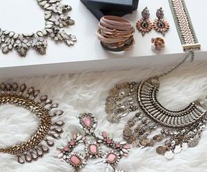 fashion, necklace, and beauty image
