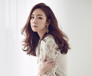 instyle, choi ji woo, and grandpas over flowers image