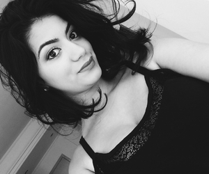 selfie, curto, and blackandwith image