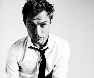 jude law, sexy, and black and white image