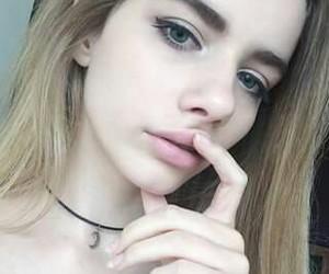 pale, grunge, and joanna kuchta image