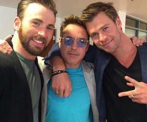 chris evans, thor, and Marvel image