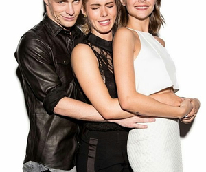 arrow, colton haynes, and willa holland image