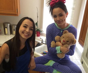smile, video, and merrell twins image